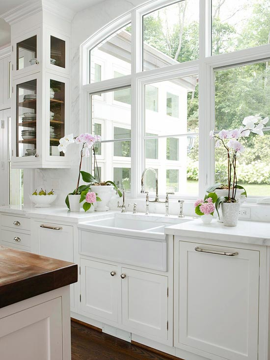 The Granite Gurus Whiteout Wednesday 5 White Kitchens With Farmhouse Sinks