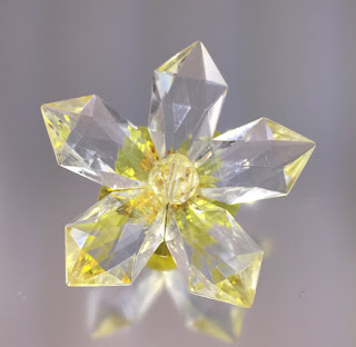 Faceted Lucite Starburst Flower Brooch