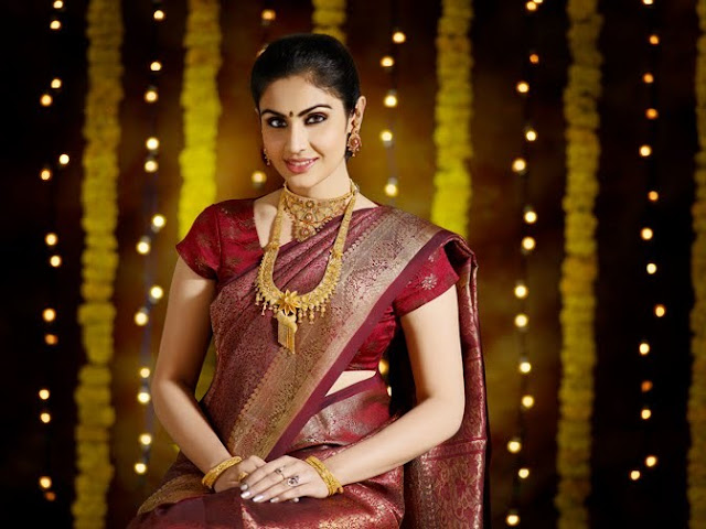 Model Divya Parameshwaran Cute Images Saree Photos glamour images