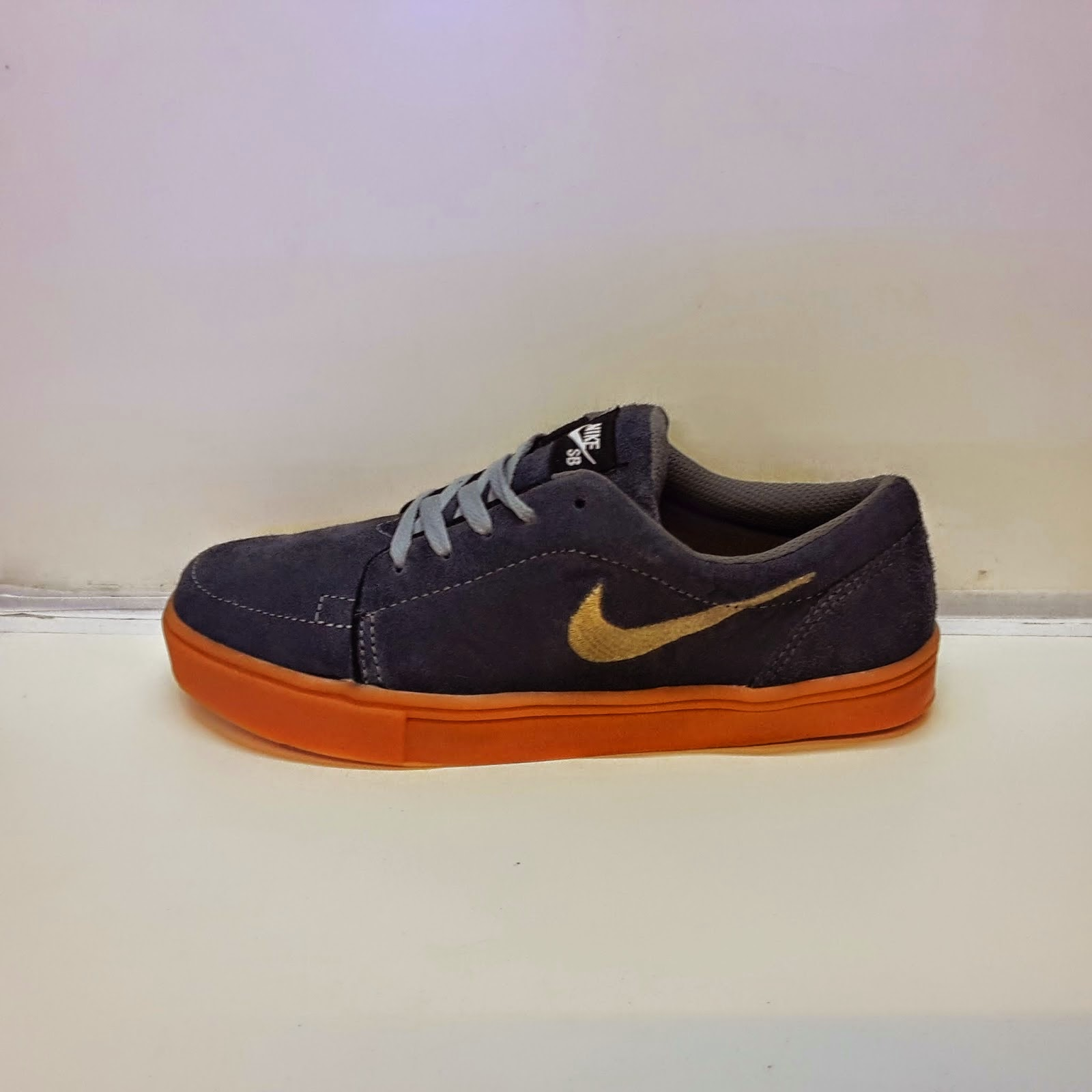Sepatu Casual Nike Terbaru