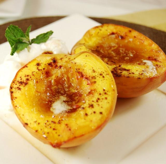 Brown-Sugar-Baked-Peaches-thekitchenismyplayground.com