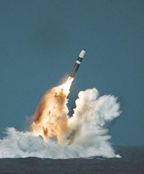 Tên lửa Trident II - www.tinquansu.net