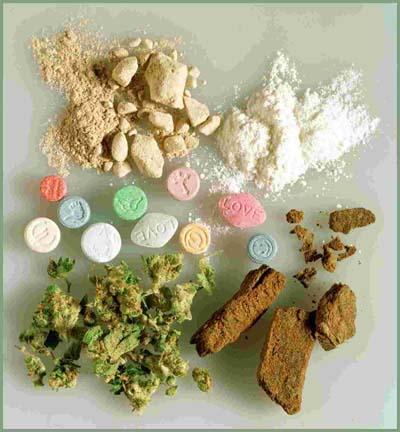 http://3.bp.blogspot.com/-QWEmjUUU3Ak/TdZBjl9M6wI/AAAAAAAADoM/I68nfxSLAnc/s1600/drugs-abuse.jpg
