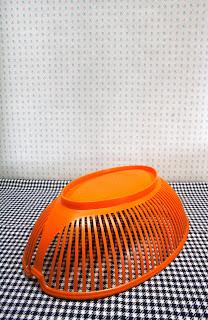 Corbeille à pain vintage orange des années 70 la puce au grenier