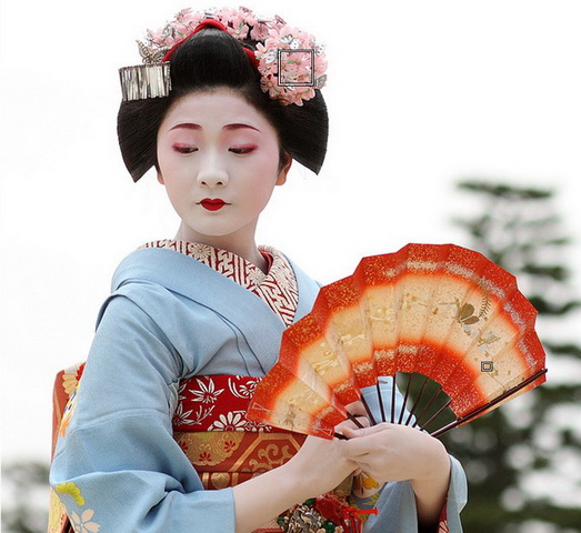 Who are the geishas in Japanese culture