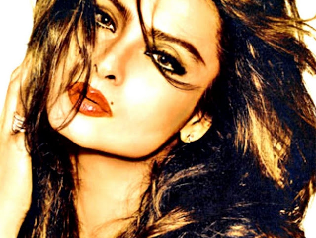 Rekha HD Wallpaper