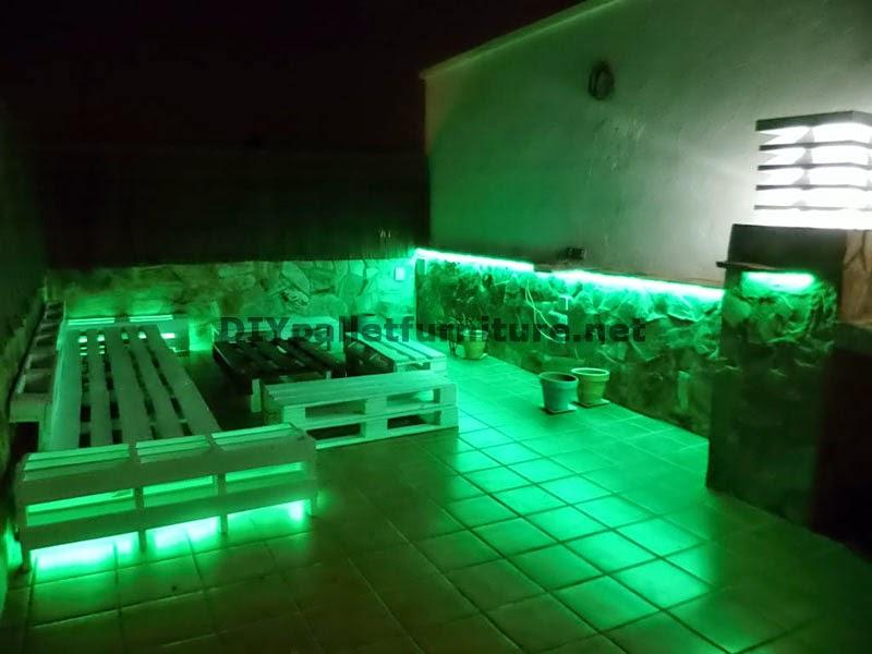 Sof s para terraza chillout y mesa for Luces led para terrazas