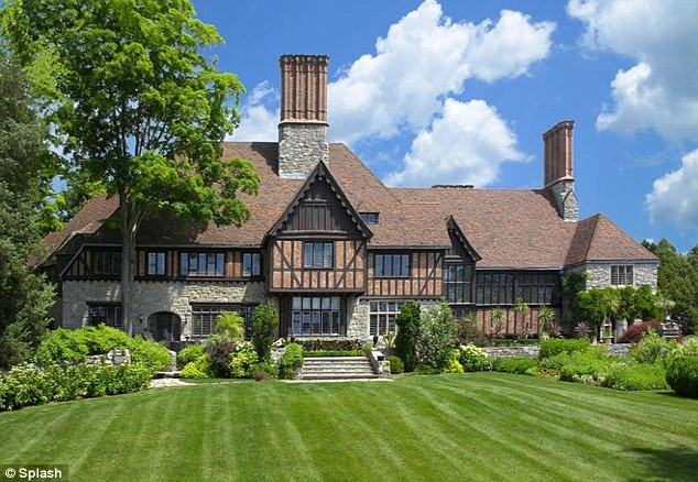 Mel gibson s house home in greenwich connecticut for Beautiful rich houses