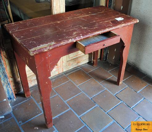 Los escritorios mesas con historia la republicana - Mesas de escritorio antiguas ...