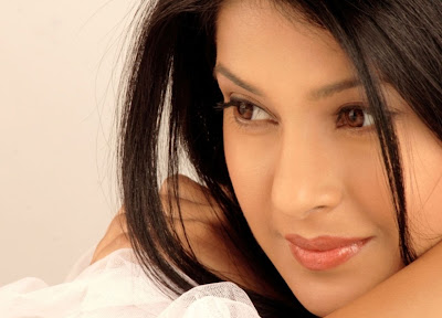 Jennifer Winget Bollywood Actress Wallpapers ~ The Aj Hub ...