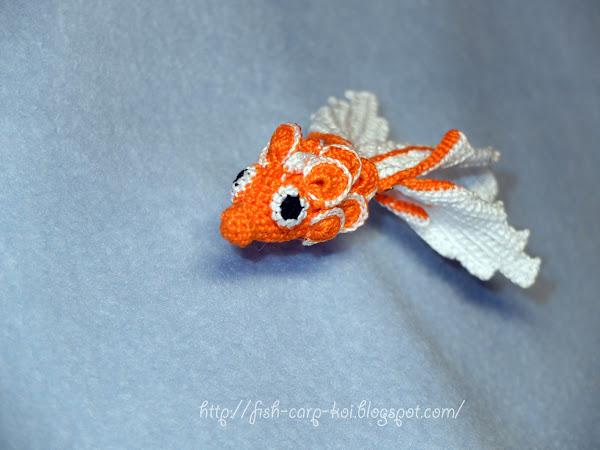 """Игрушка """"Золотая рыбка"""" связанная крючком"""