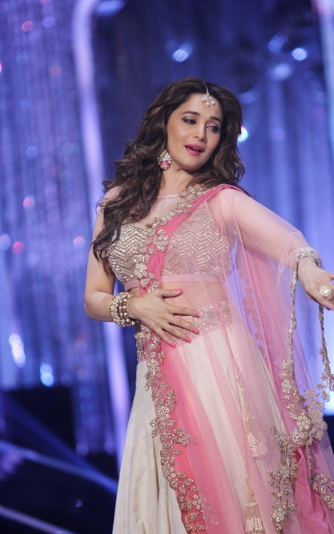 madhuri dixit hot and cute wallpaper