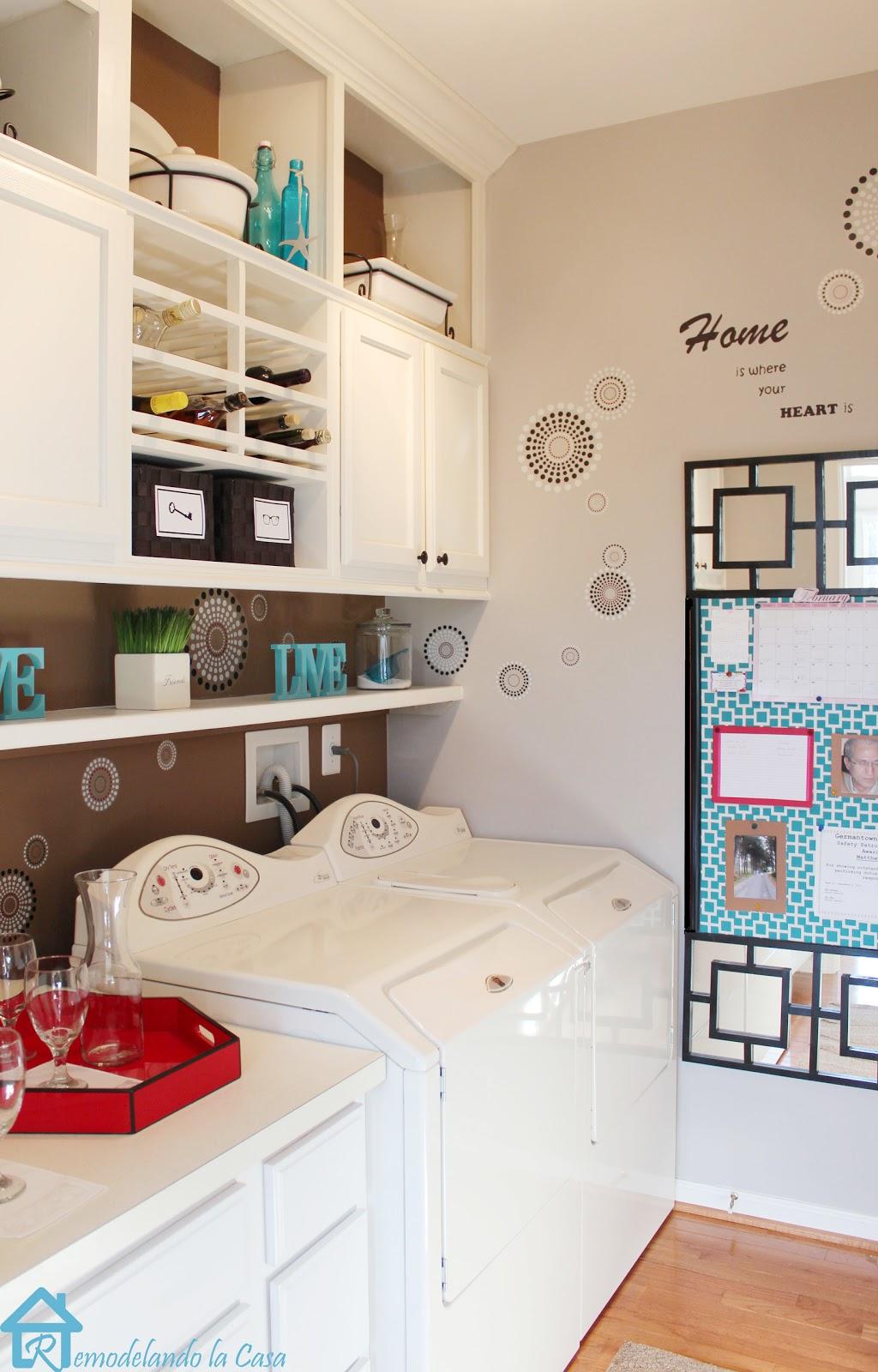 Laundry room mini makeover remodelando la casa for Small room no windows