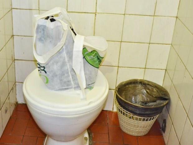 Bebê é encontrado em sacola em banheiro de rodoviária (Foto: Tiago Bottino / Site: Itapetinga Agora)