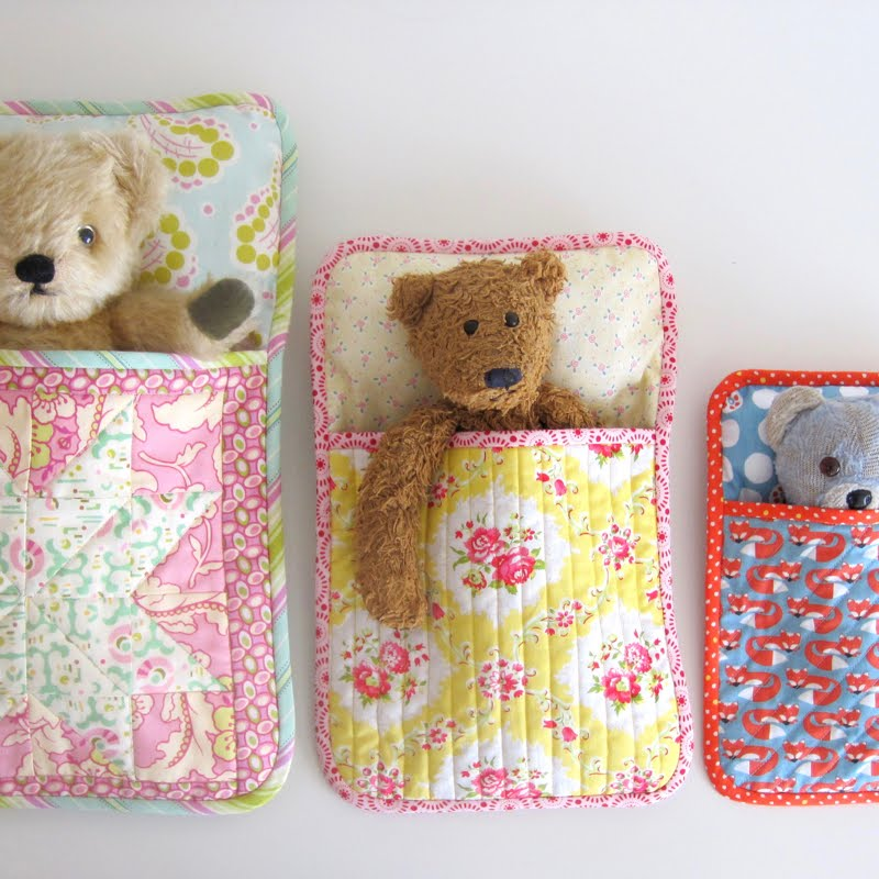 Flossie Teacakes: The Three Bears\' Sleeping Bag PDF Pattern