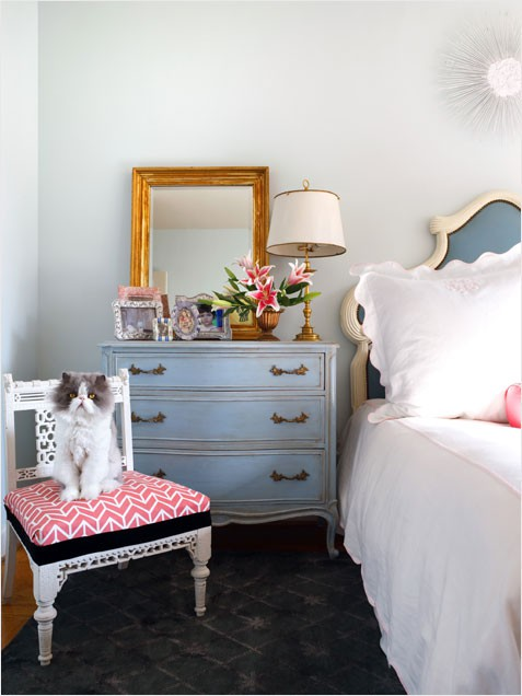 Designing home choosing bedside tables for Modern vintage bedroom designs