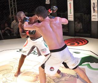 Evento de luta mixado com música, o The Coliseum Fight & Music aconteceu em Teresópolis no sábado, 16, e balançou o Pedrão com a disputa de dez lutas