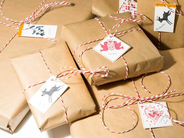 Paketteja ja pakettikortteja
