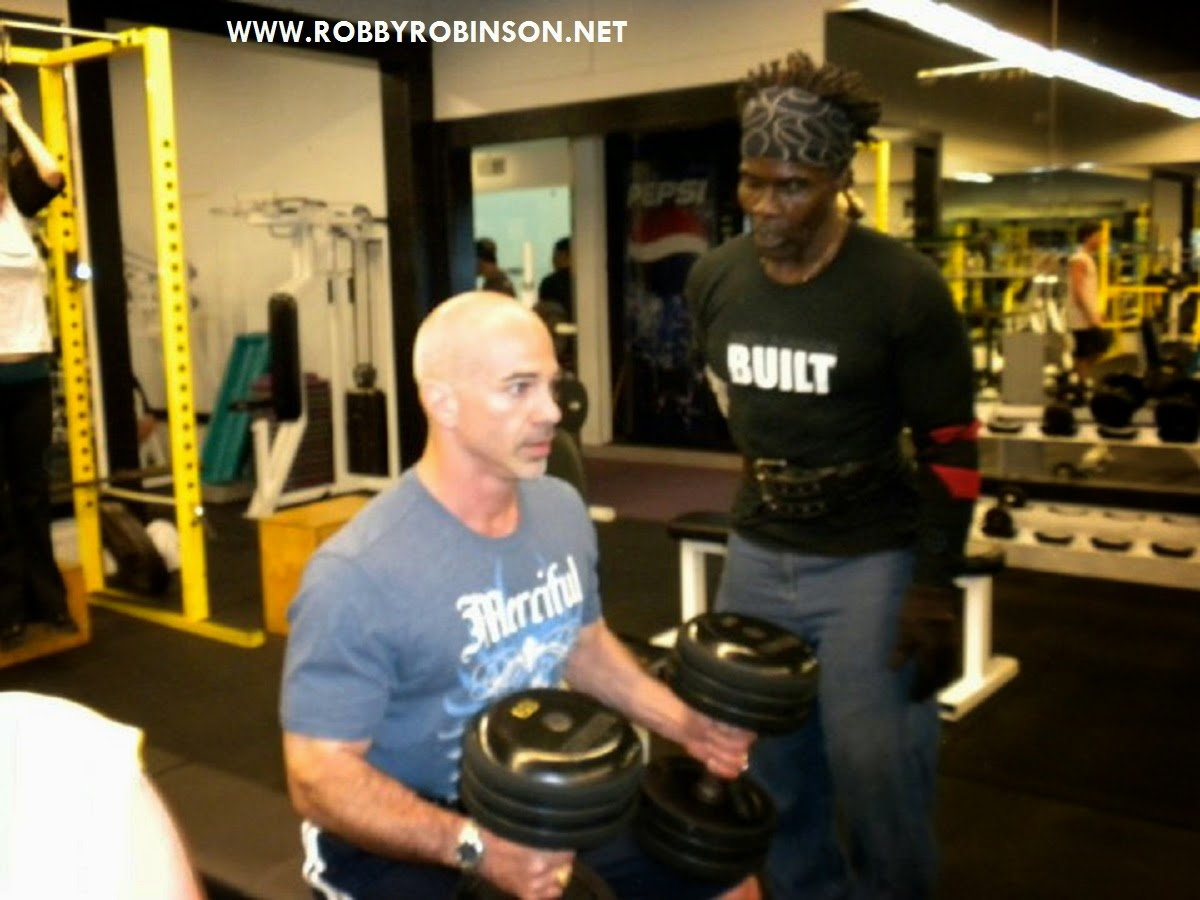 Gary Casaccio in Master Class with Robby Robinson at Gold's Gym MASTER CLASS - 4-day one-on-one intensive personal training  with  ROBBY ROBINSON in Gold's gym Venice, CA and nutrition  & supplementation seminar ▶ www.robbyrobinson.net/master-class.php
