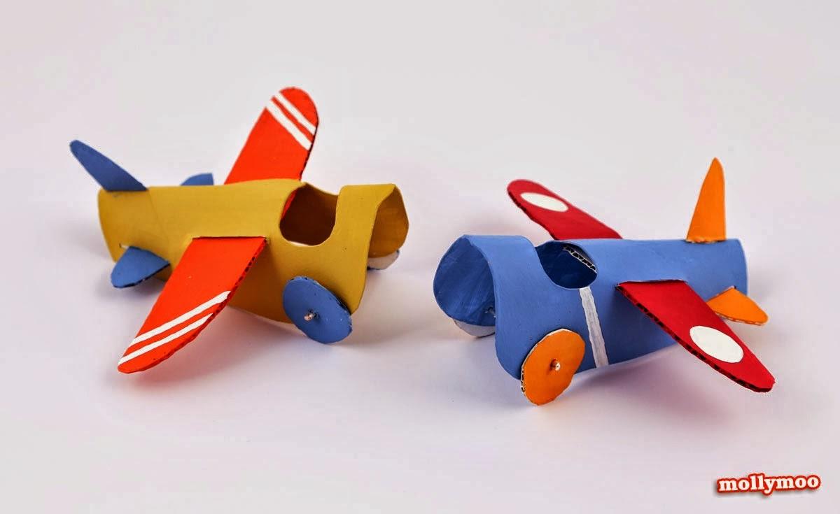 reciclagem - Avião de rolo de papel.