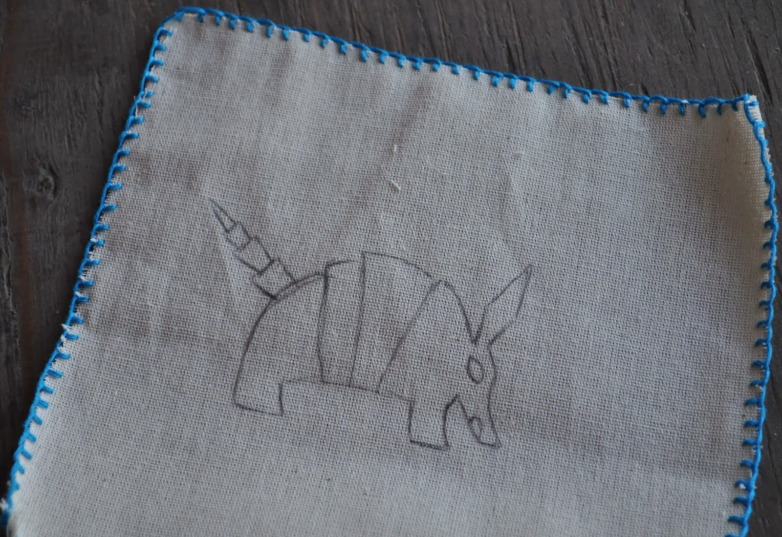 Artelexia: DIY: Embroidered Alebrije Napkins