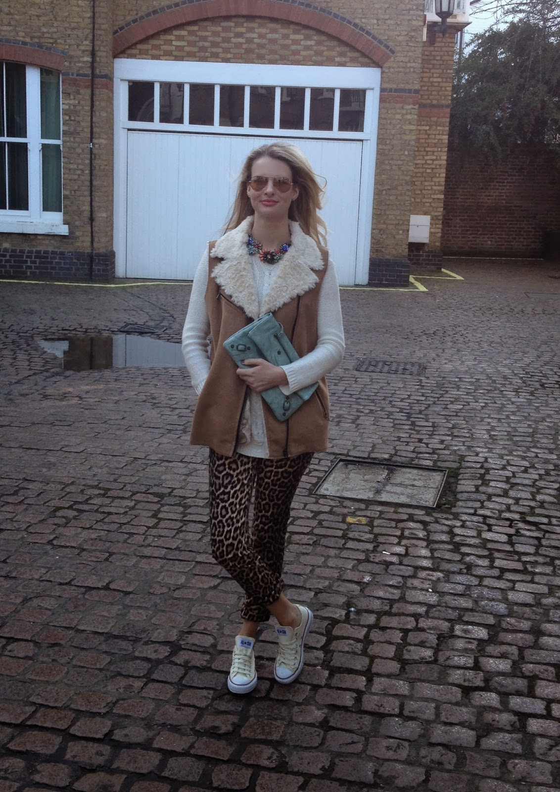 zara leopard print trousers, leopard print pants, leopard print, fur gilet, zara fur gilet, sheinside gilet, balenciaga, balenciaga clutch, balenciaga classic envelope, converse, trainers, street style, fashion blogger, london fashion blogger