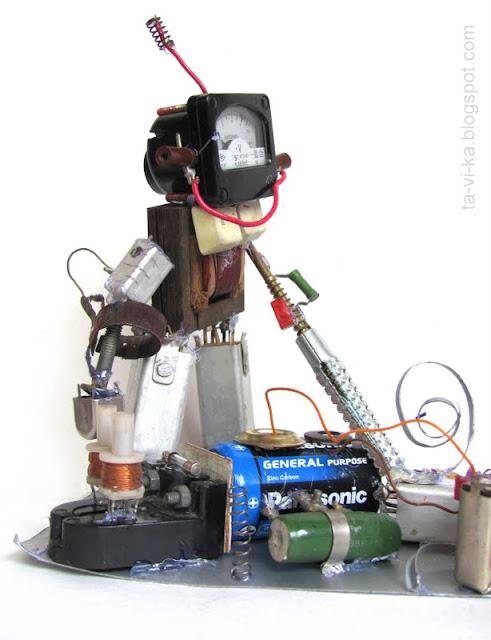 детская поделка робот из железок
