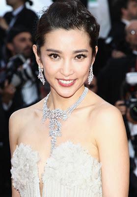 Li Bingbing Gemstone Statement Necklace