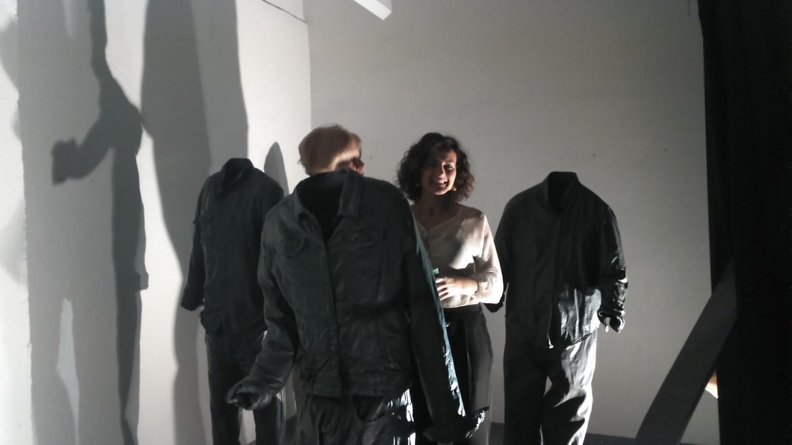 Marta Carballo con su instalación