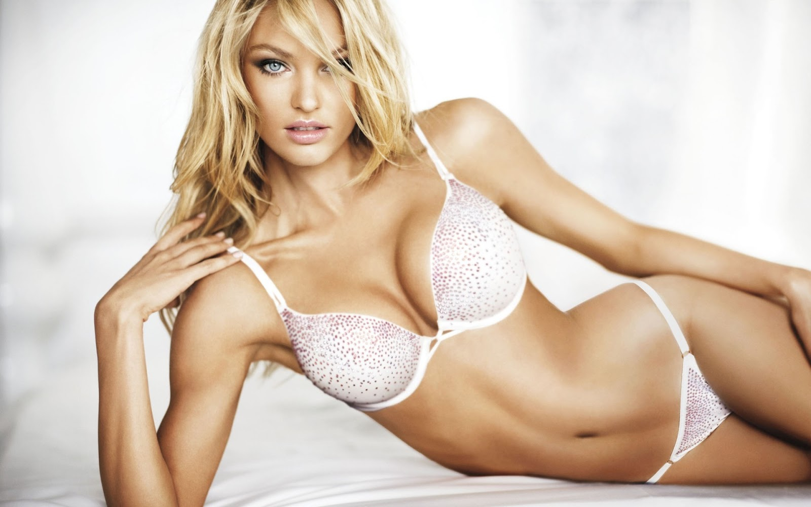 Candice Swanepoel in Diamonds Lingerie