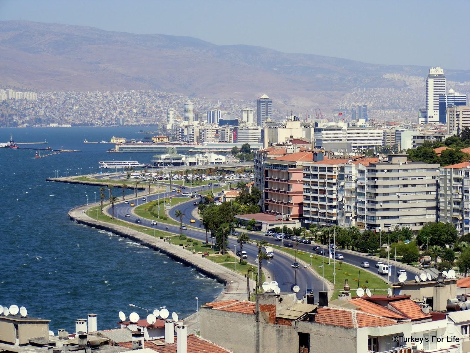 Sightseeing In Izmir - A Stroll To Asansör • Turkeys For Life