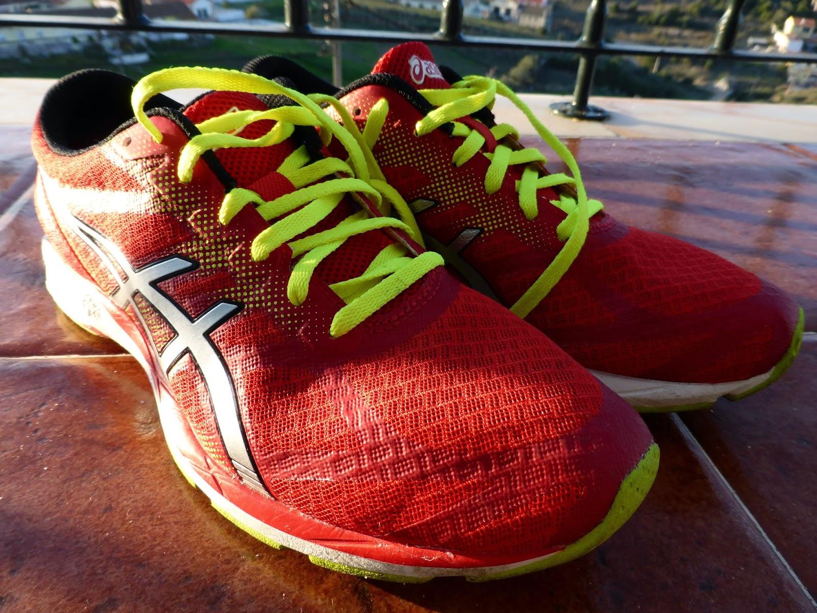 """O que dizer sobre estes ténis  De acordo com o site da Asics estes são  apropriados para """"corridas de longa distância e maratonas"""". e6f481723ba25"""