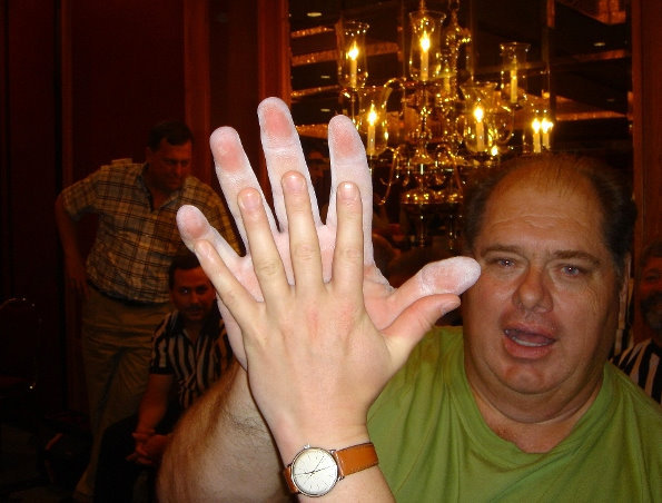 denis cyplenkov hands - photo #23