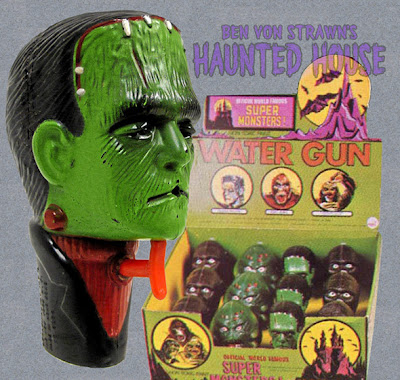BEN VON STRAWN'S HAUNTED HOUSE: FRANKENSTEIN'S MONSTER SQUIRT GUN-1976