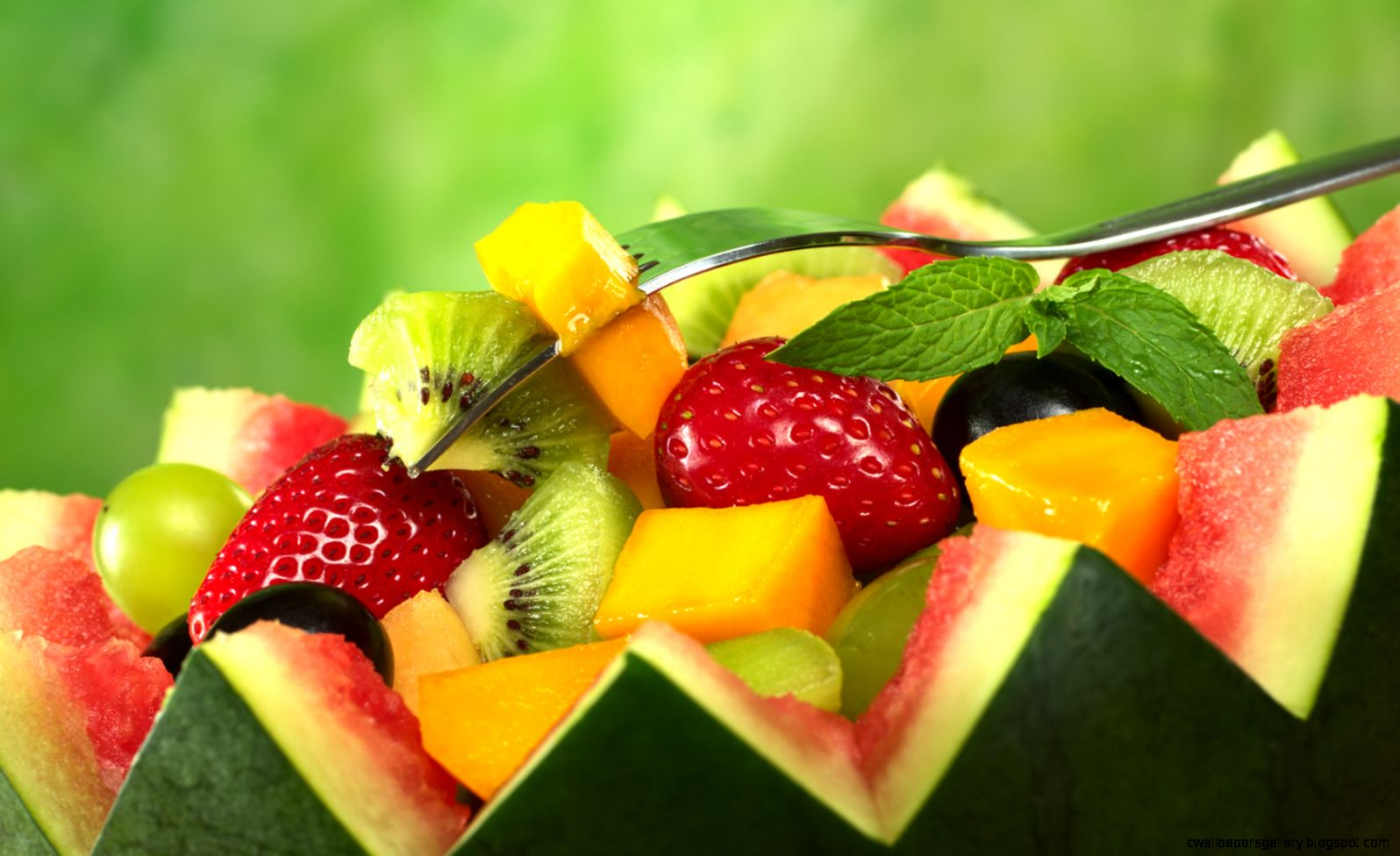 Free Download fresh fruit salad Wallpaper in 1680x1050 resolutions