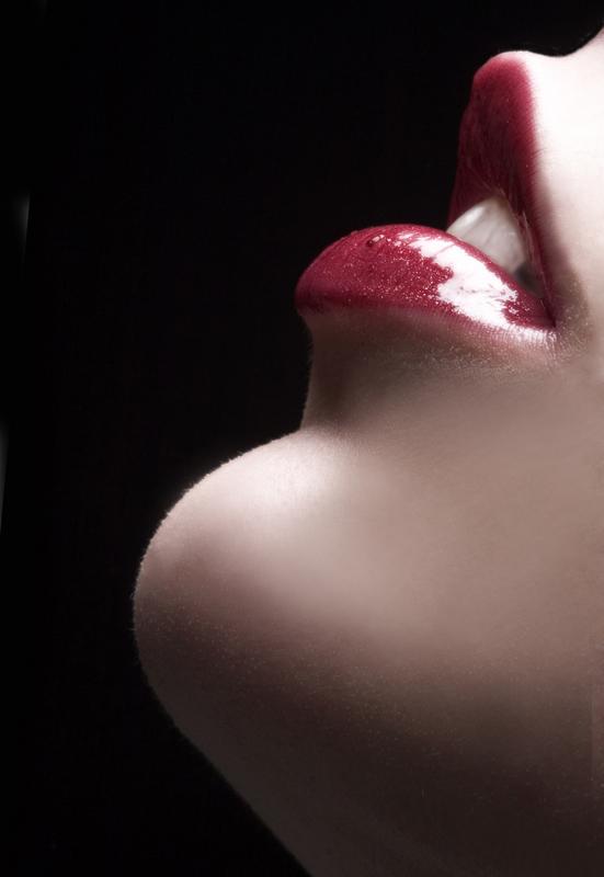 http://3.bp.blogspot.com/-QZmI5vCsqok/TkbdPRDSFoI/AAAAAAAAAn4/wPn1XW_KKxg/s1600/sensual+lips+1.jpg