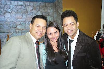 Cantores Daniel e Samuel e cantora Francielle Miranda