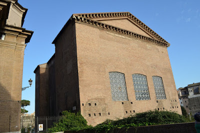I viaggi di raffaella i fori imperiali di roma il foro for Piani portici anteriori