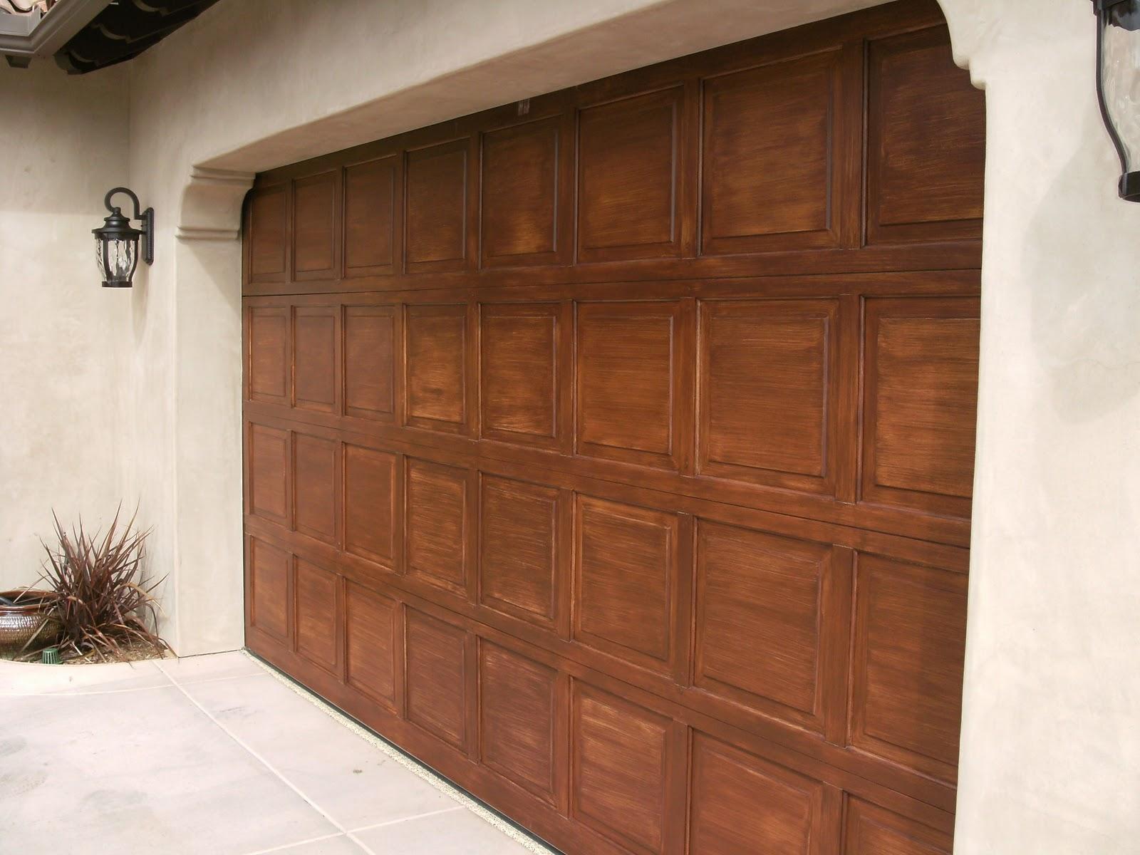 Fiberglass garage doors that look like wood fancy home design for Garage doors that look like wood
