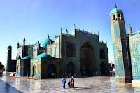 Sunnah Rasulullah Menuju Masjid, Adab menuju masjid, berjalan menuju masjid