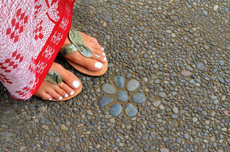 Sarong, Bali sandals