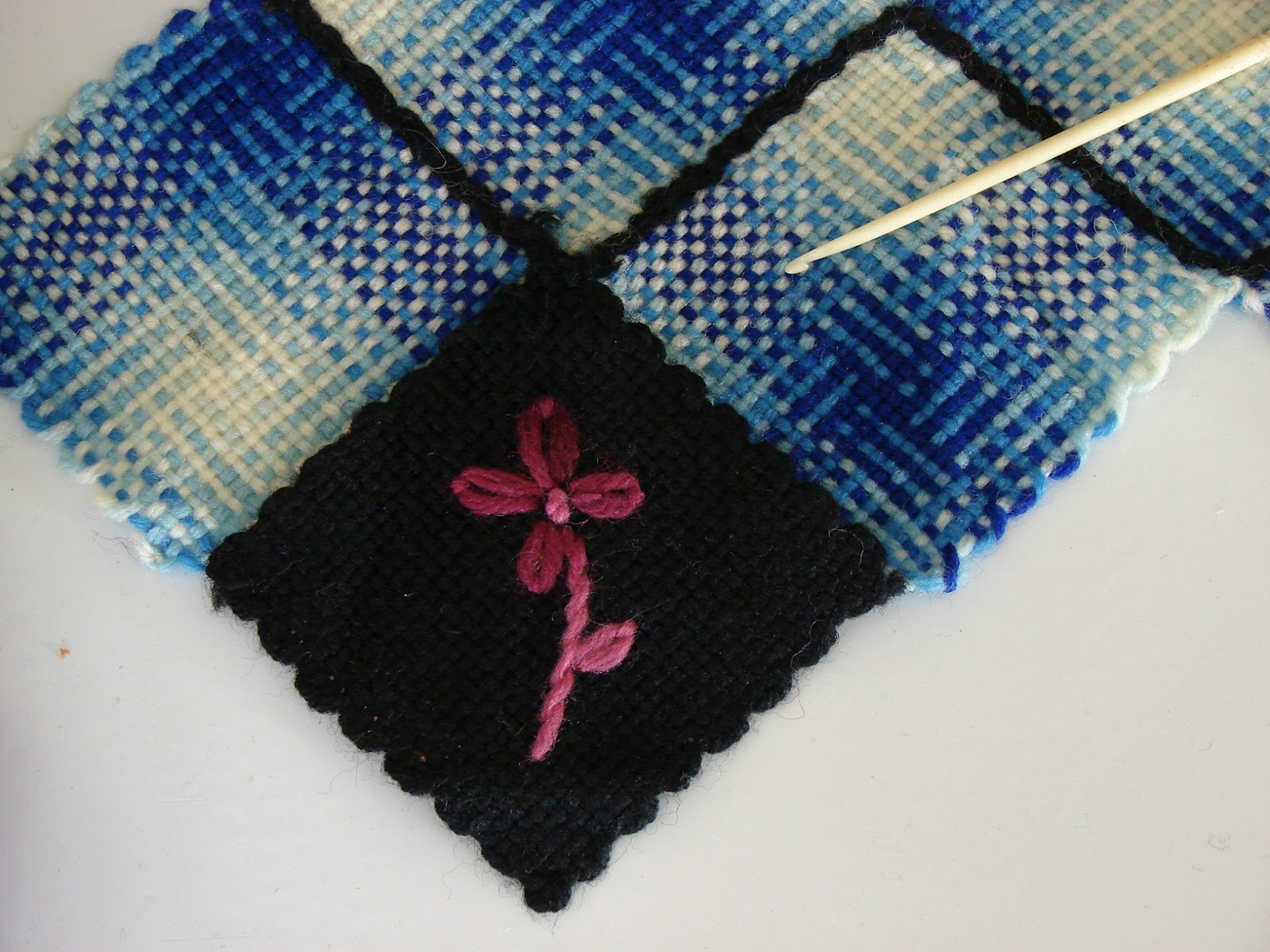The Country Farm Home: My Aunt\'s Weave-It Loom Project
