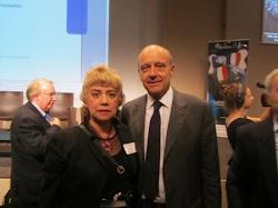 *Morgane BRAVO & M. Alain JUPPÉ, Ministre d'Etat, Ministre des Affaires étrangères et européennes*