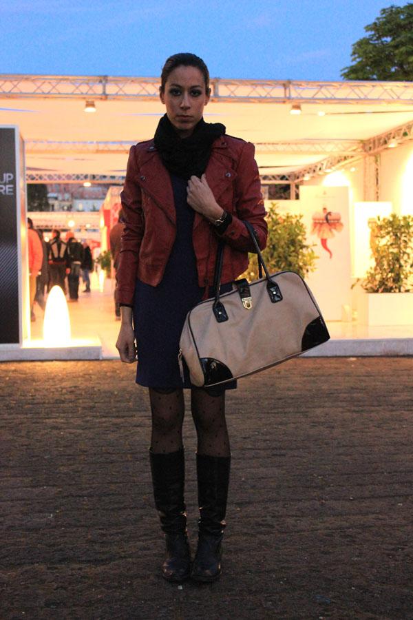 modemoiselle, fashion blogger, outfit, abito blu, come abbinare, biker jacket, giacca pelle rossa, america's cup, napoli, preparativi, eventi, coppa america, eventi a napoli