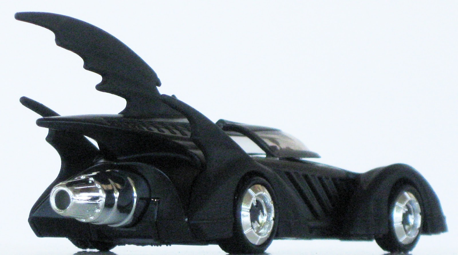 Toys and Stuff: Mattel 2011 #5389 1:50 Scale Batman ...