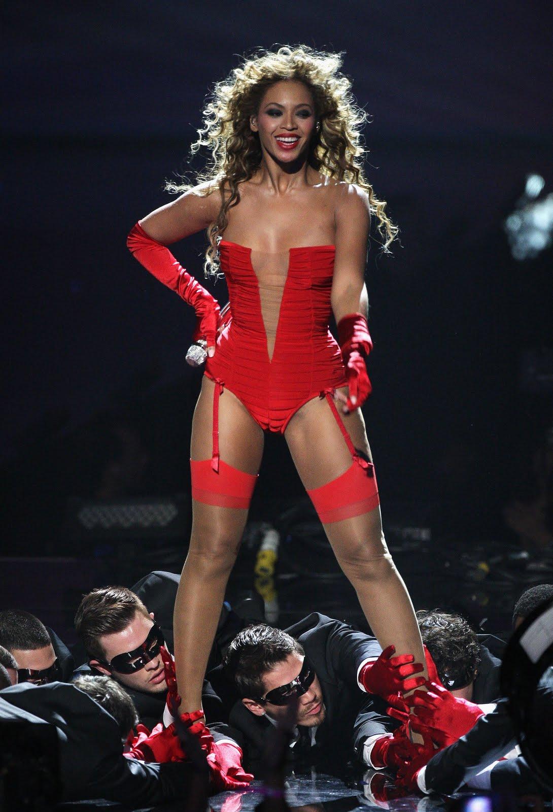 http://3.bp.blogspot.com/-Qa8YWxZGg5U/Tdq8fYCkZuI/AAAAAAAAIyg/LhddKqRQsrI/s1600/BeyonceMTV10.jpg