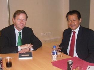 Batara R. Hutagalung bersama Pieter de Gooijer