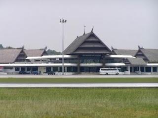 Plang Larangan di Bandara Juwata Tarakan Dibongkar - Ardiz Borneo
