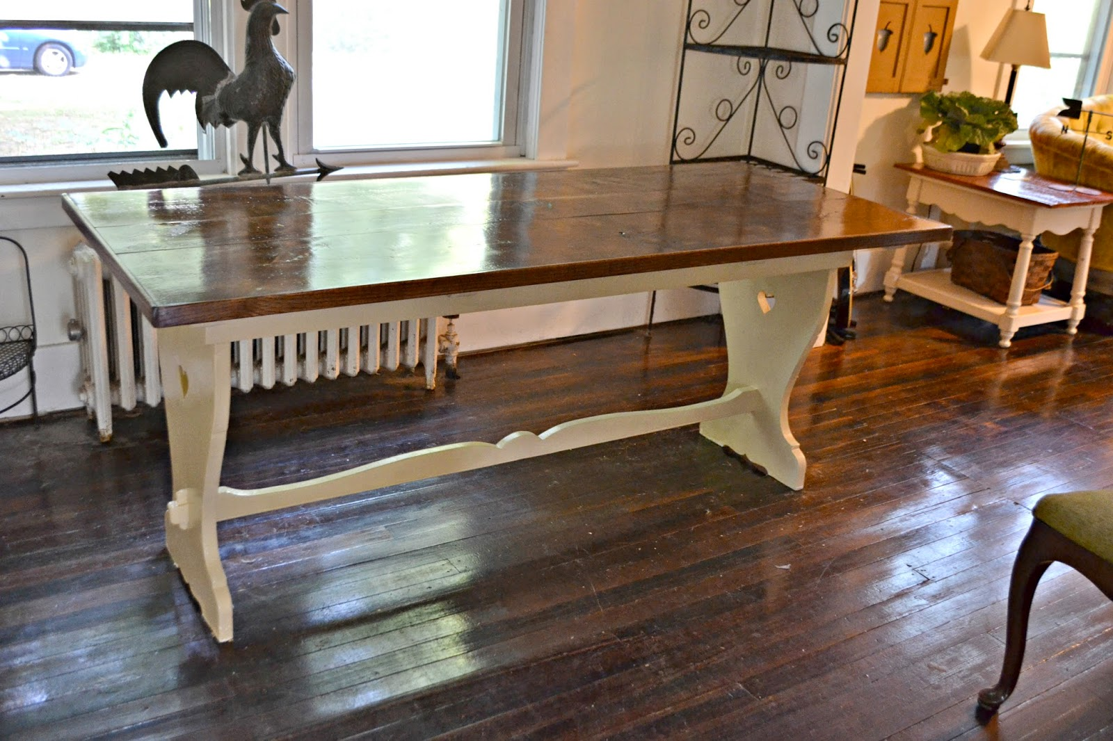 this setu0027s for sale as iu0027m going to do a smaller round table set in my dining room for a bit