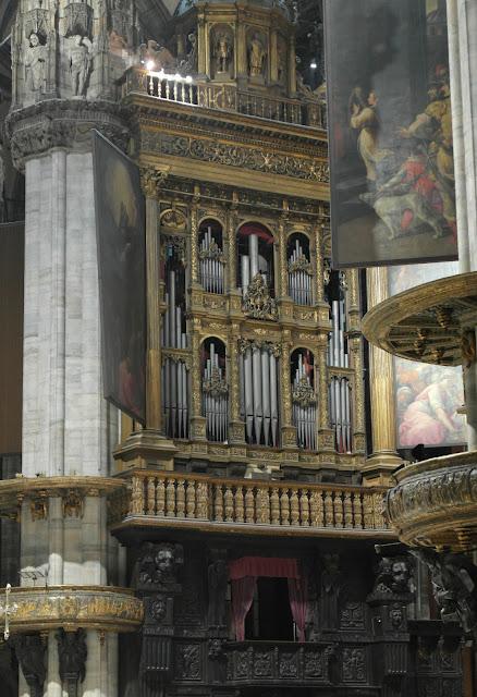 Gilt organ Duomo Cathedral Milan, Italy